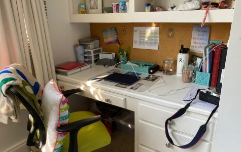 Liza Feeney's '25 workspace.